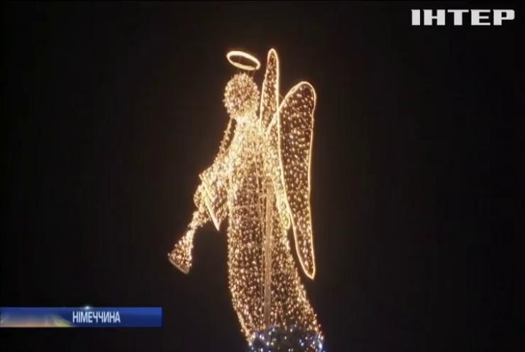 У Німеччині засвітили найвищу ялинку у світі (відео)