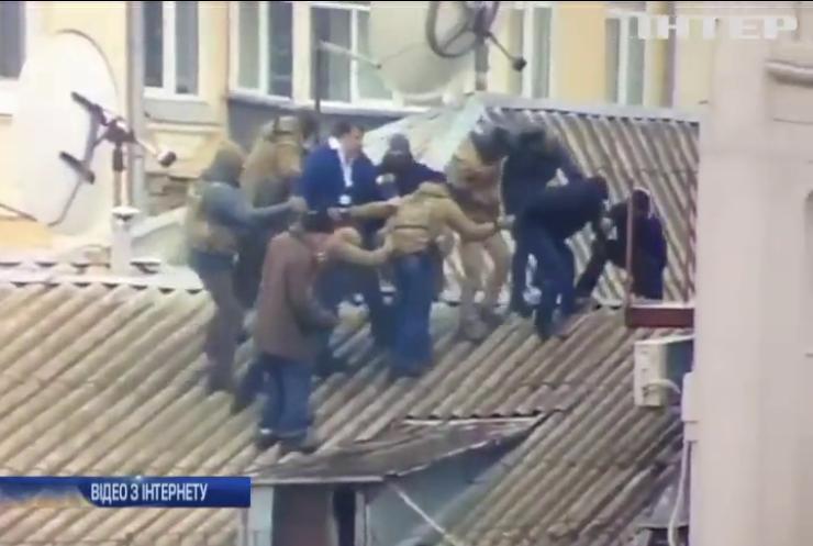 СБУ та ГПУ затримали у Києві Міхеіла Саакашвілі (відео)