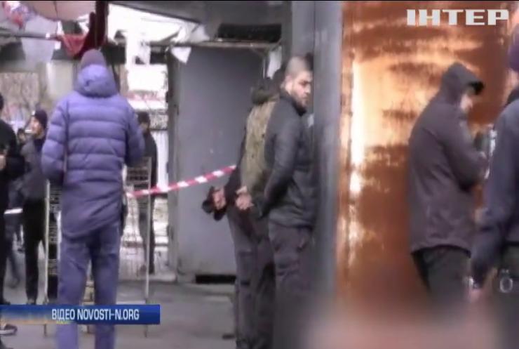У Миколаєві озброєні молодики намагалися захопити міський ринок (відео)
