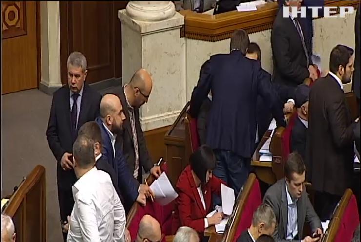 Депутаты ужесточили наказание для неплательщиков алиментов