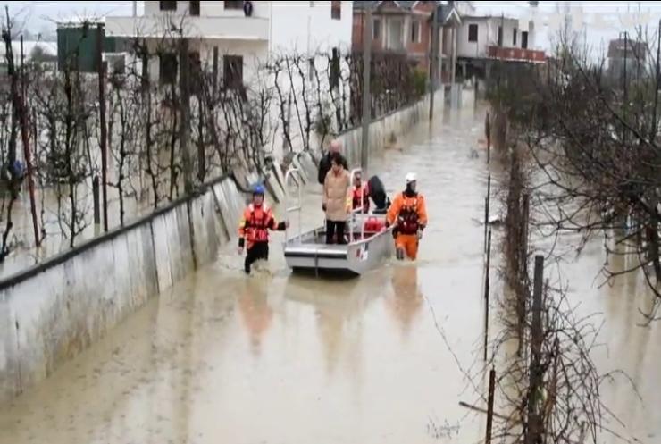 В Італії потужні зливи залишили без житла тисячі людей