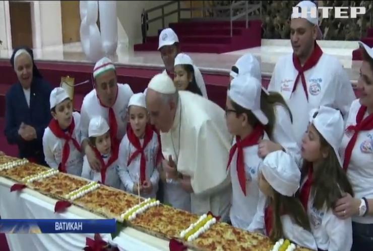 Діти привітали Папу Римського з Днем народження