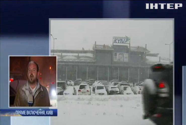 Сніг в Україні: аеропорт Жуляни відмінив 12 рейсів