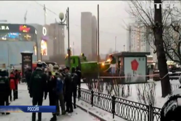 Кровавое ДТП в Москве: автобус влетел в заполненный людьми подземный переход