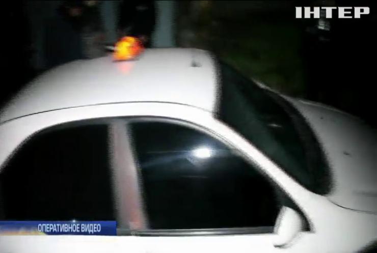 Резня вместо оплаты: в Днепре пассажир исполосовал ножом таксиста