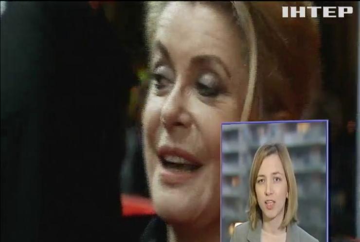 """""""Флирт - не насилие"""": Катрин Денев извинилась перед жертвами сексуальных домогательств"""