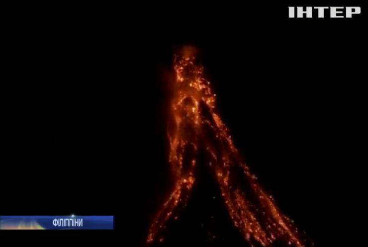 На Філіппінах прокинувся вулкан Майон