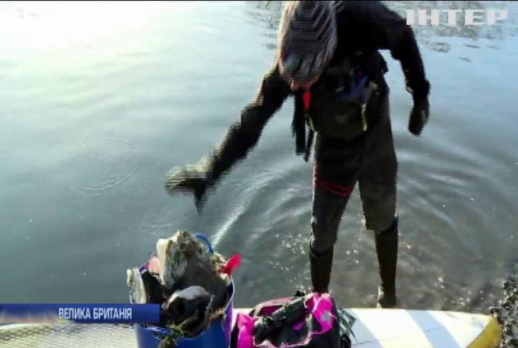 Серфінгісти в Британії прибрали Темзу від сміття