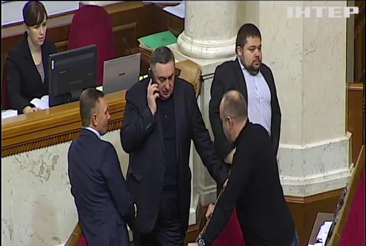 Закон о реинтеграции Донбасса: поправки рассматривали при низкой явке депутатов