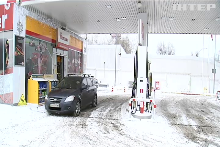 Ціни на бензин: кому вигідне здорожчання палива