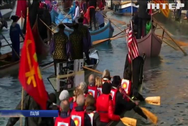 У Венеції до карнавалу змайстрували манекен Дональда Трампа