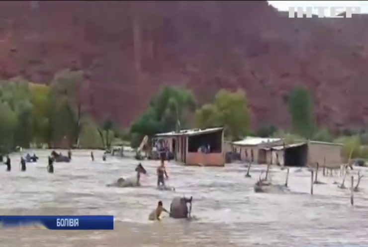 Сильні дощі затопили південь Болівії