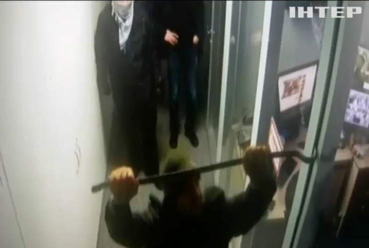 """Свобода слова"": силовики ""навещают"" редакции СМИ"