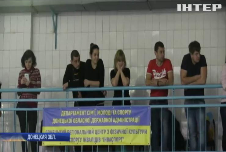 В Славянске возродили детский турнир по плаванию (видео)