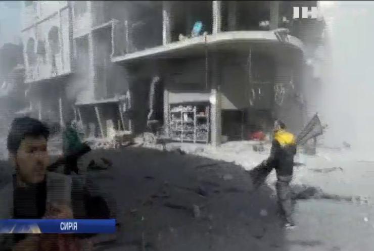 Війна в Сирії: від авіаудару по передмістю Дамаска загинули сотні людей