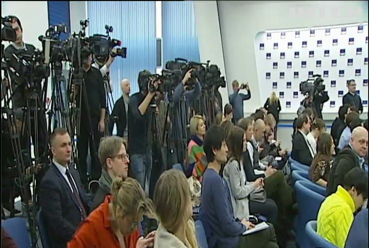 Янукович поскаржився на тяжке життя у Росії
