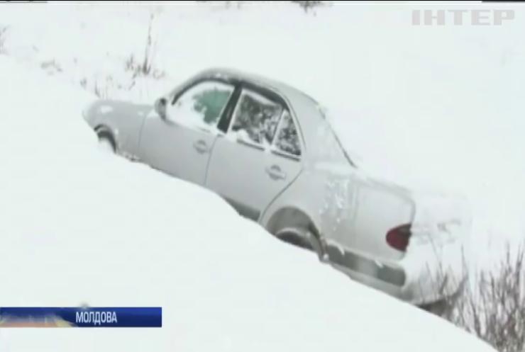 У Молдові через снігопад оголосили надзвичайний стан (відео)