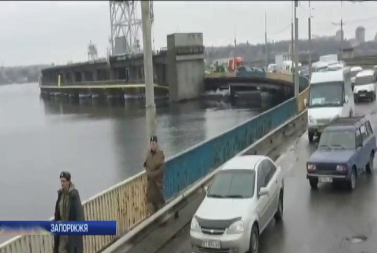 У Дніпрі розпочали ремонт на греблі ДніпроГЕС