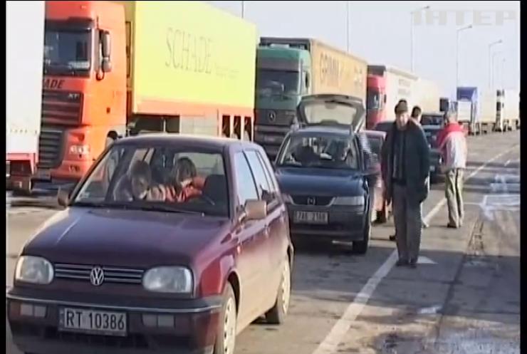Через загрозу вірусу Польща посилила контроль на кордоні з Україною