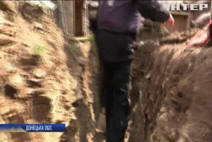 На Донбасі бійці розповіли про обстріли бойовиків на поминальні свята