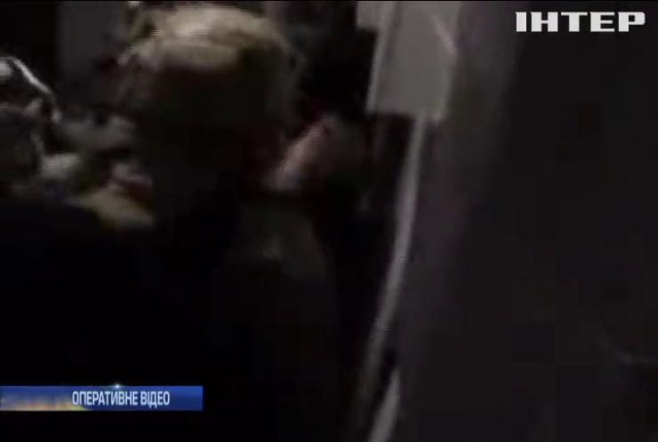 Банда поліцейських викрадала та катувала людей у Києві