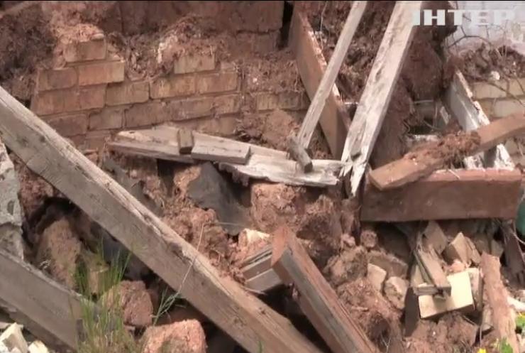На Донбасі продовжуються обстріли позицій військових