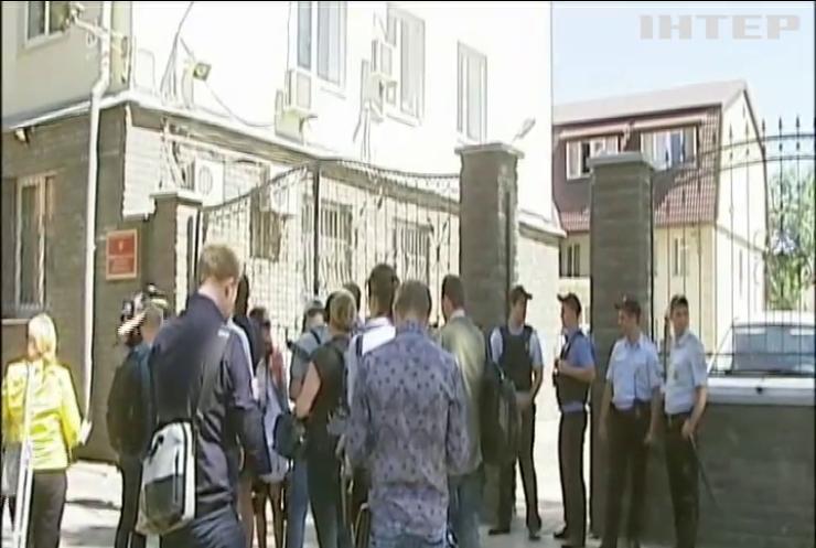 МЗС України вимагає допустити до Олега Сенцова лікарів та консулів