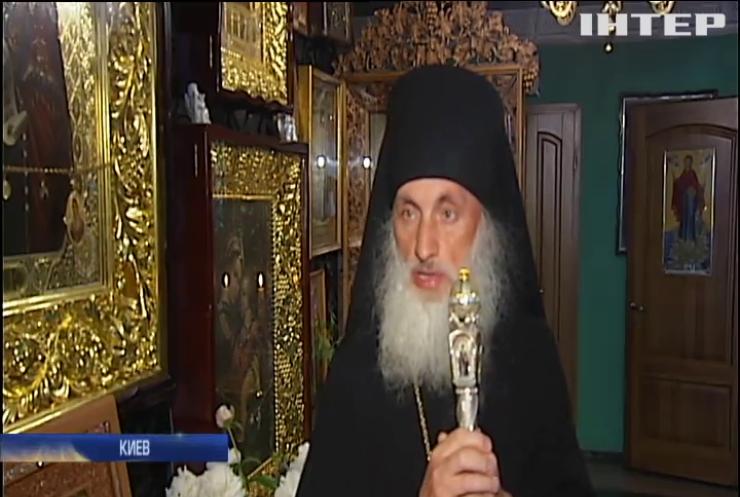 В Киеве прихожане выстраиваются в очереди ради чудодейственной иконы из Введенского мужского монастыря