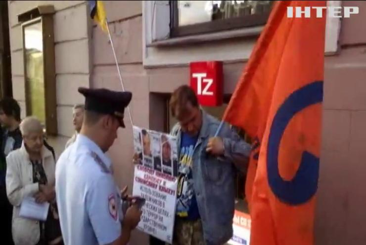Мировая общественность  призывает Россию освободить политзаключенного Олега Сенцова