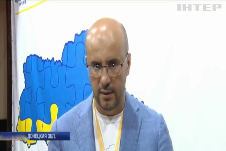 """Форум """"Восток-Запад"""": депутаты поделились опытом с молодежью"""