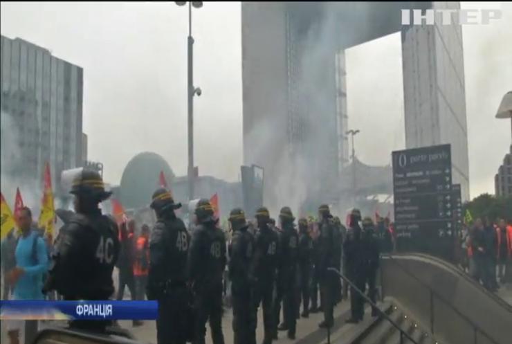 У Франції тривають страйки залізничників