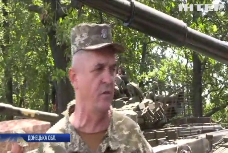 Бронетанкові підрозділи провели навчання на сході країни