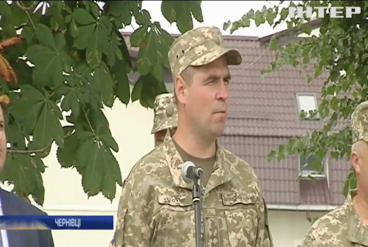 У Чернівцях квітами зустріли бійців десантно-штурмової бригади