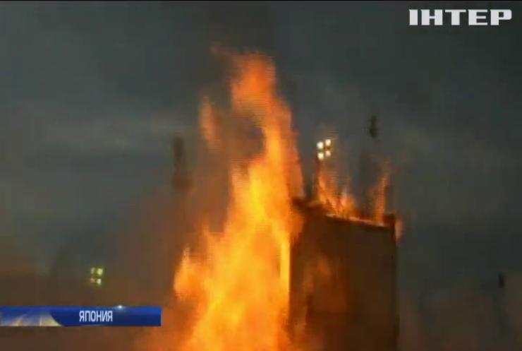 В Японии взорвалась ракета во время запуска (видео)
