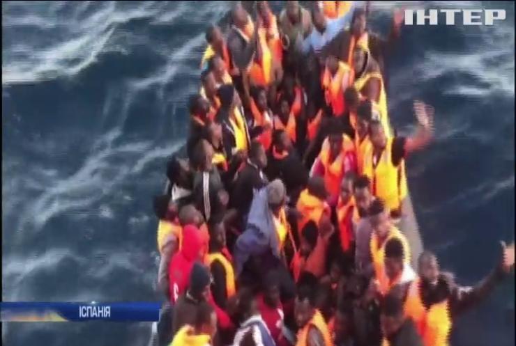 Іспанська берегова охорона продовжує рятувати мігрантів
