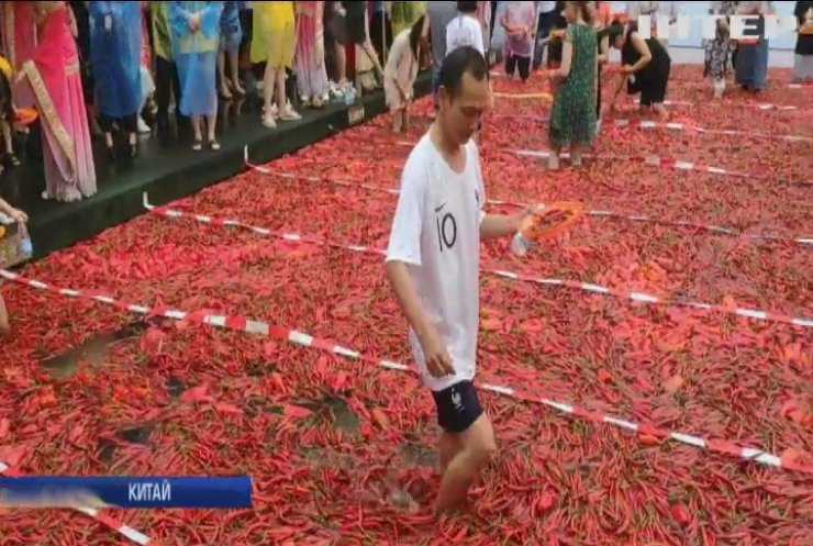 У Китаї пройшов фестиваль вогню та льоду