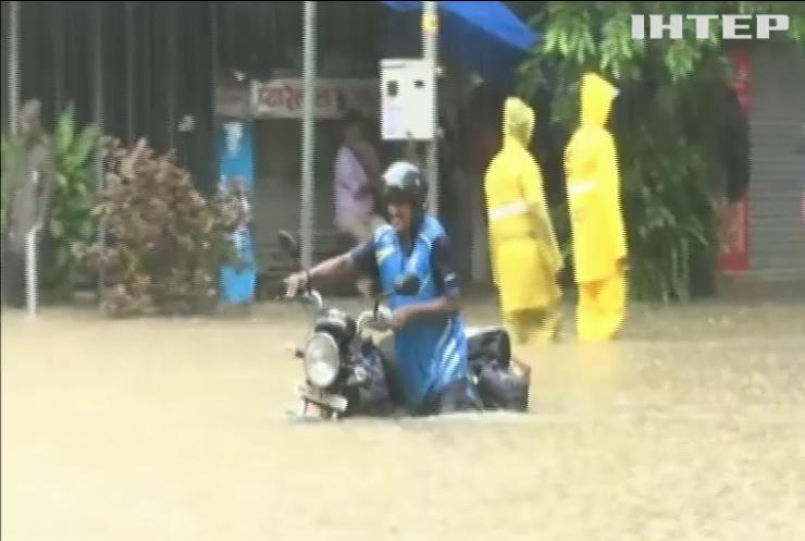 Індійське місто топить потужними зливами