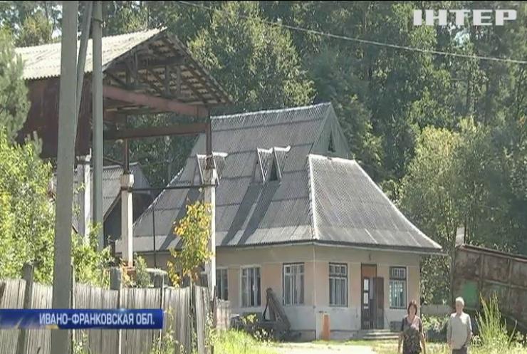 Скандал в Прикарпатье: сельсовет продал дорогу в частную собственность
