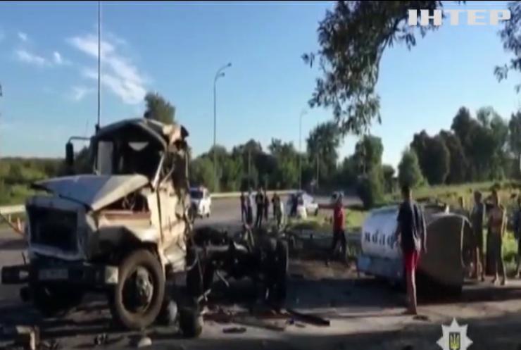 Под Ривне в ДТП заживо сгорел водитель грузовика