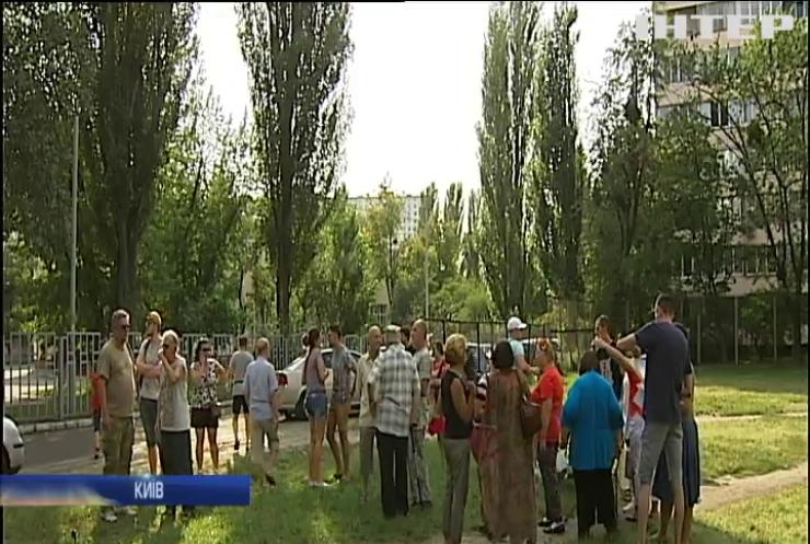 Жителі Русанівки протестують проти будівництва гуртожитка