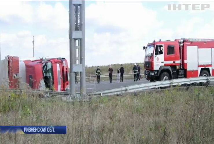 В Ривненской области фура заблокировала движение