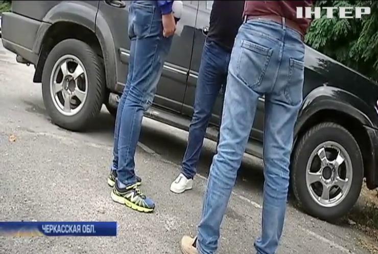 Жители Черкасской области требуют ускорить ремонт автотрассы