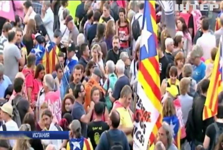 Демонстрации в Барселоне переросли в массовые беспорядки