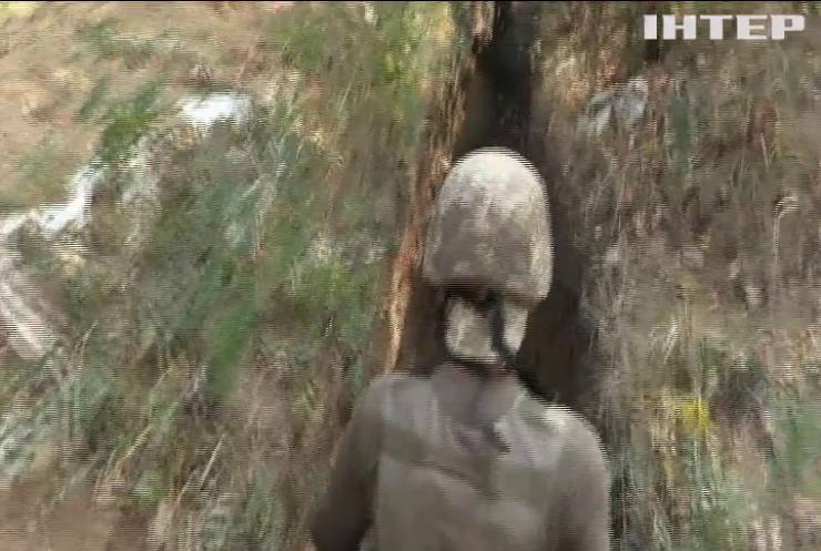 На Донбасі від куль бойовиків постраждали військовослужбовці