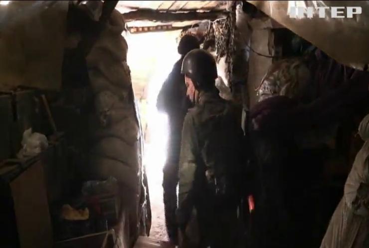 На Донбасі від куль бойовиків постраждали військові