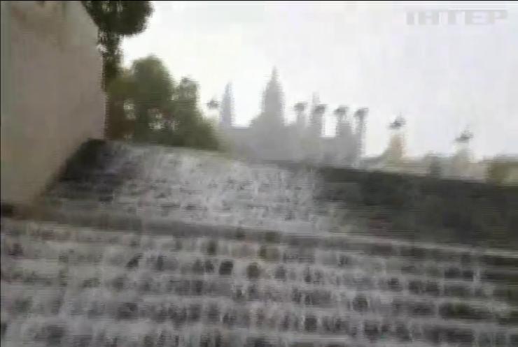 Вулиці Барселони перетворилися на річки
