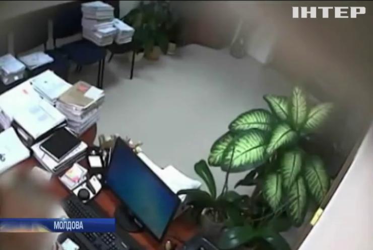 У Молдові за хабарництво затримали суддів та прокурора