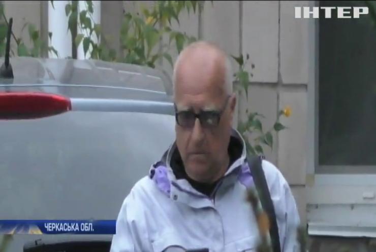 На Черкащині лікар-хабарник поновився на посаді