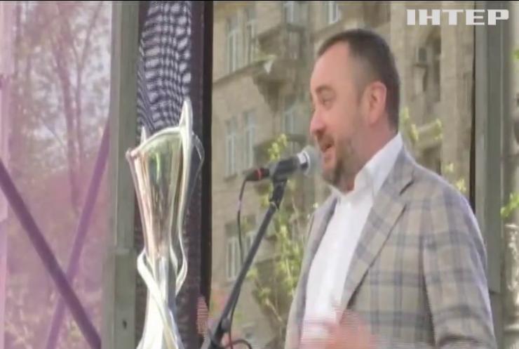 Нічний клуб та багатомільйонні кредити: як витрачає кошти голова Федерації футболу України?