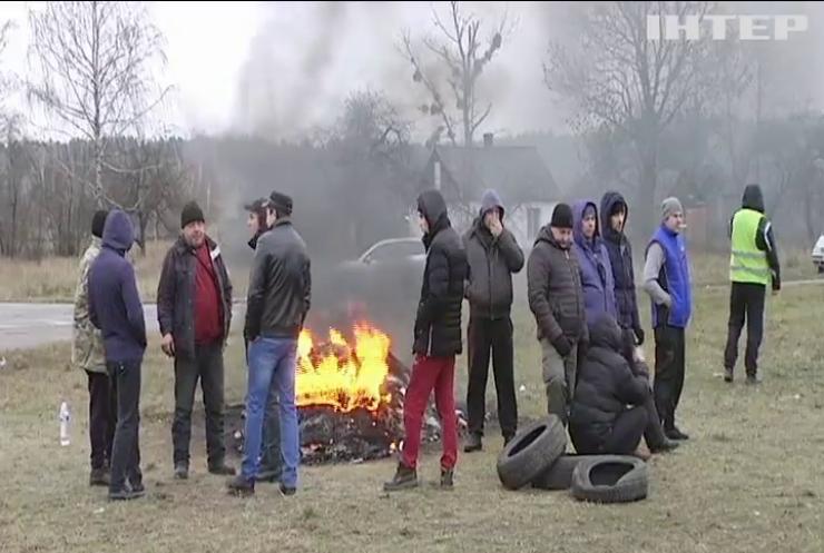 """""""Євробляхери"""" розблокували всі пункти пропуску на кордоні України"""
